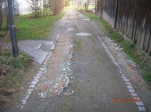 Kurpark-Zugang von der Bahnhofstrasse - Hier wurde schon aufgefüllt.