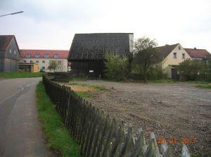 Blick auf das Gelände (rechtsseitig) am Tillyplatz, au dem das künftige Tagespflegezentrum der AW'O entstehen soll.